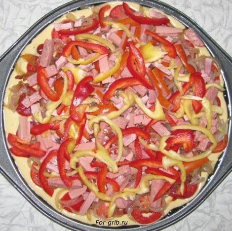 болгарский перец кладём на пиццу